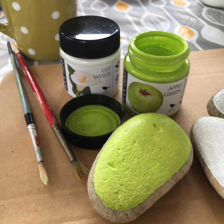 Painted avocado rocks step 02