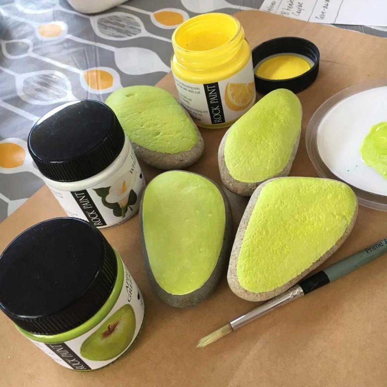 Painted avocado rocks step 03